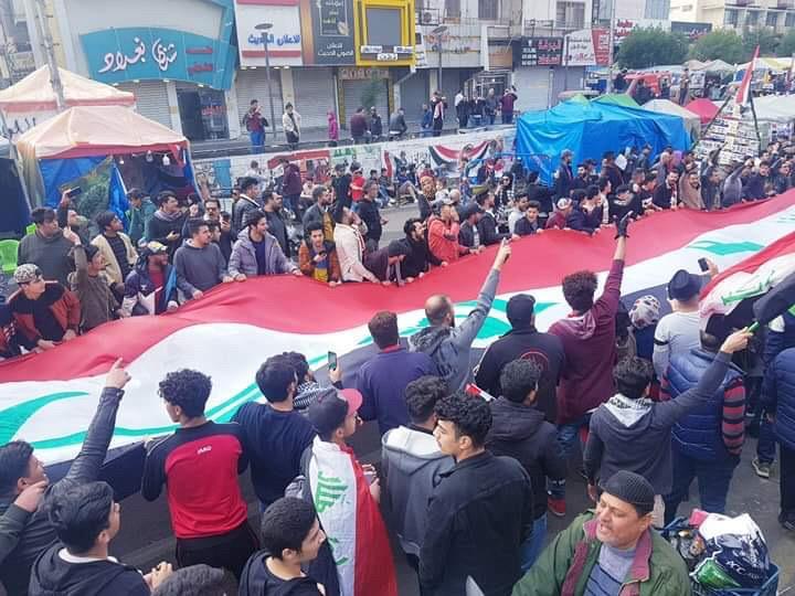 ساحة التحرير ترفض تسييس جهات سياسية لمطالبها وتحذيرات من تدهور الامن في كربلاء