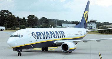طيارو خمس دول أوروبية يدخلون فى إضراب غدا ضد شركة ريان إير