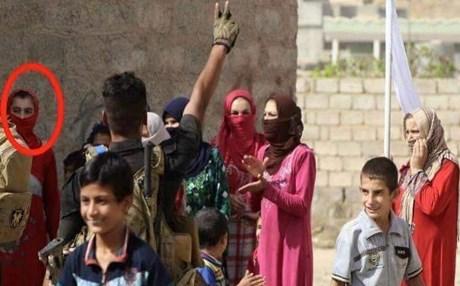 """"""" بالصور"""" والي داعش يتنكر بالملابس النسائية في محافظة صلاح الدين"""