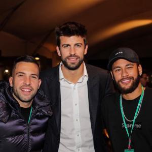 نيمار يلتقي لاعبي برشلونة في العاصمة مدريد