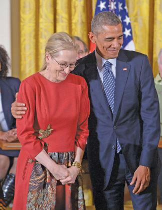 أوباما: أنا أحب ميريل ستريب وزوجتي تعرف ذلك!