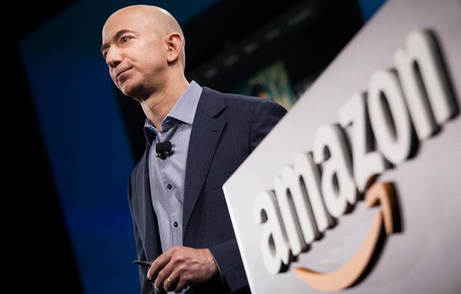 مؤسس أمازون يبيع حصة بمليار دولار سنويا من الشركة لتمويل رحلات للفضاء