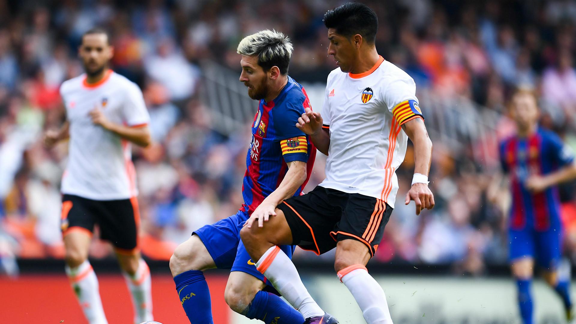 فالنسيا مهدد بفقدان سبعة لاعبين أمام ريال مدريد