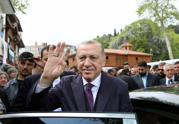 البرلمان التركي يقرّ انتخابات مبكرة والنمسا تحظر حملات على أراضيها