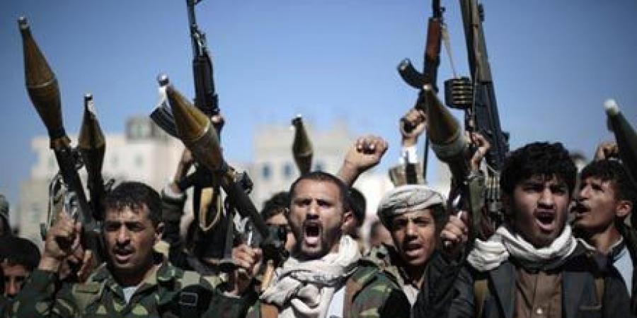 اشتباكات عنيفة بين قوات الجيش والحوثيين شمالى وغربى مدينة تعز