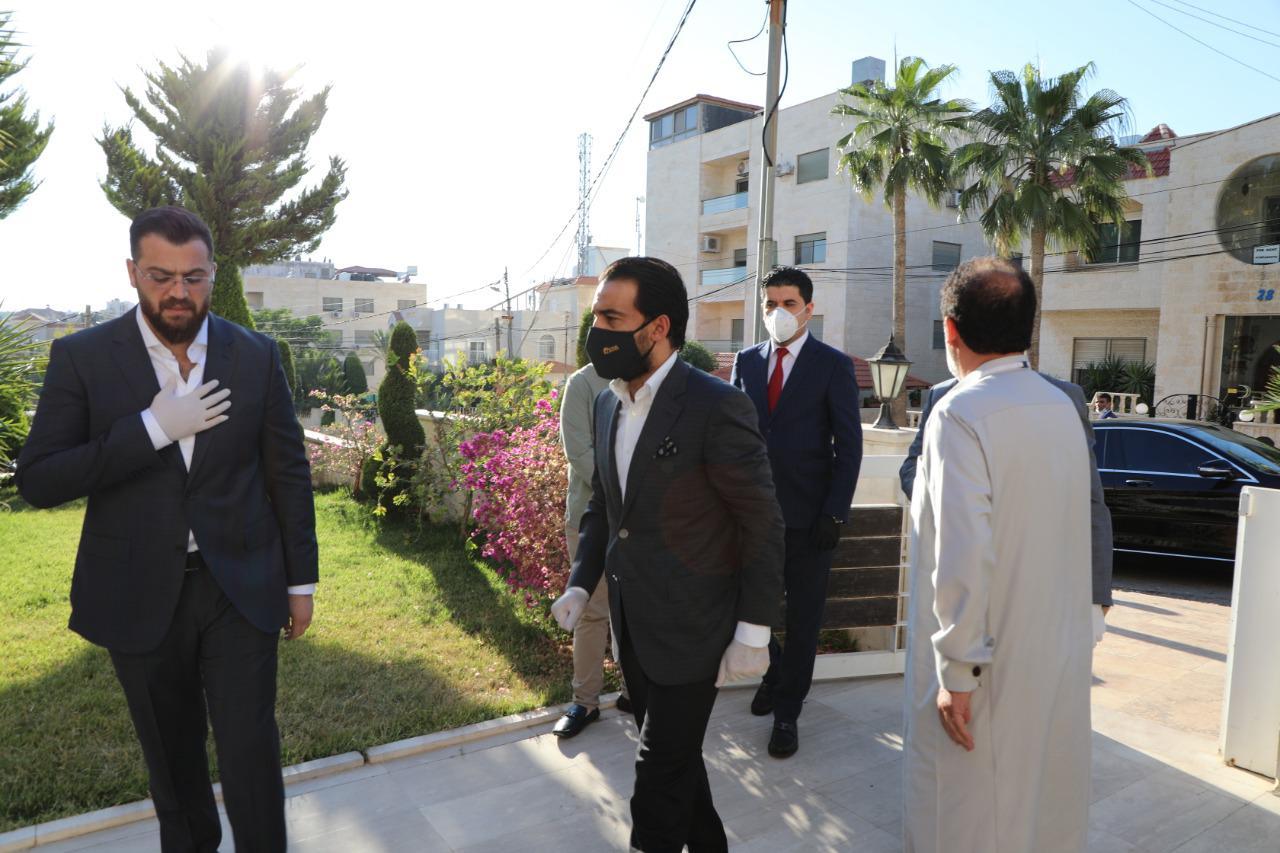الحلبوسي يزور أسرة الكابتن الراحل أحمد راضي في عمان