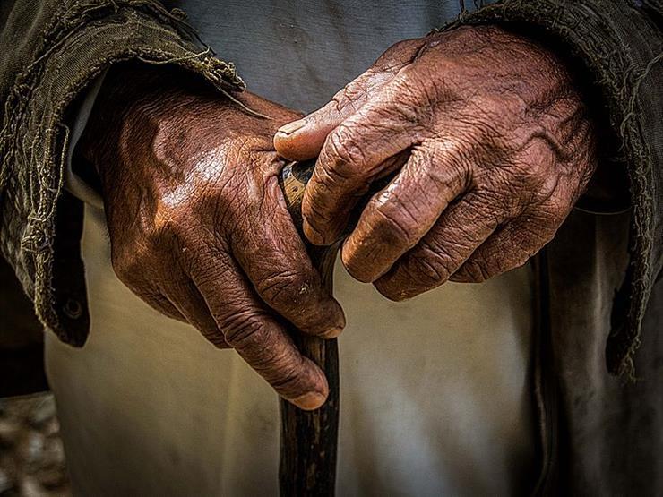 أكاديمي: كبار السن من الرجال أكثر عرضة من غيرهم للإصابة بالفيروس التاجي