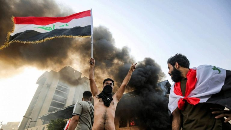 "Demonstrators cling to the demand of ""overthrowing the regime,"" not changing faces Image"