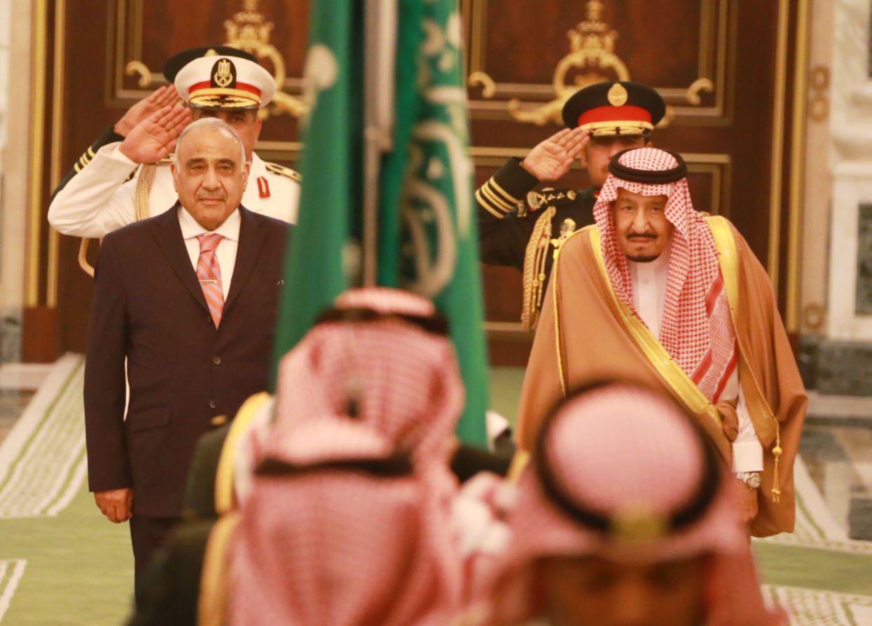 بالصور ..  هكذا استقبل الملك سلمان رئيس الوزراء عادل عبد المهدي