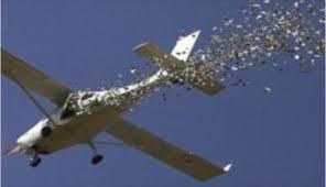 القوة الجوية تلقي الاف المنشورات على قضاءي عنة وراوة غربي الانبار