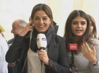 بالفيديو : عركة بين مراسلتين من اجل التغطية على الهواء مباشرة .. التعليق لكم !