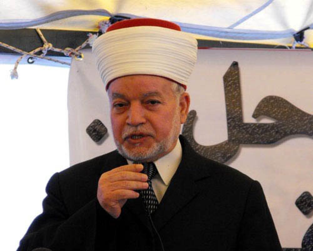 مفتى القدس يدعو إلى تدخل دولى عاجل لوقف الإعتداءات على المسجد الأقصى