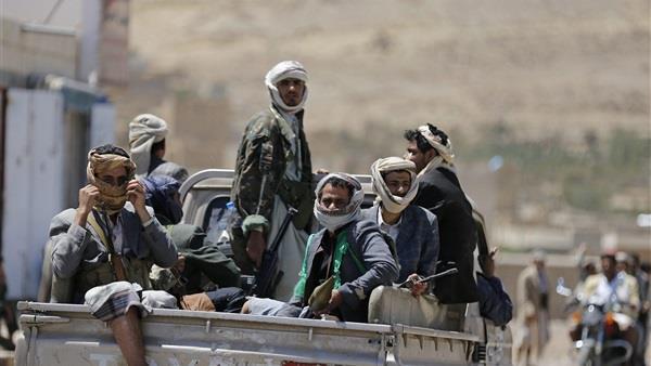 ميليشيا الحوثى تنهب الحديدة بعد تقدم المقاومة اليمنية