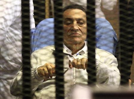 نقل مبارك من مستشفى عسكري الى مستشفى سجن طرة