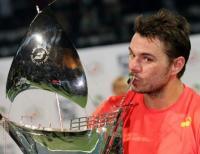 السويسري فافرينكا يتوج بطلاً لبطولة دبي الدولية