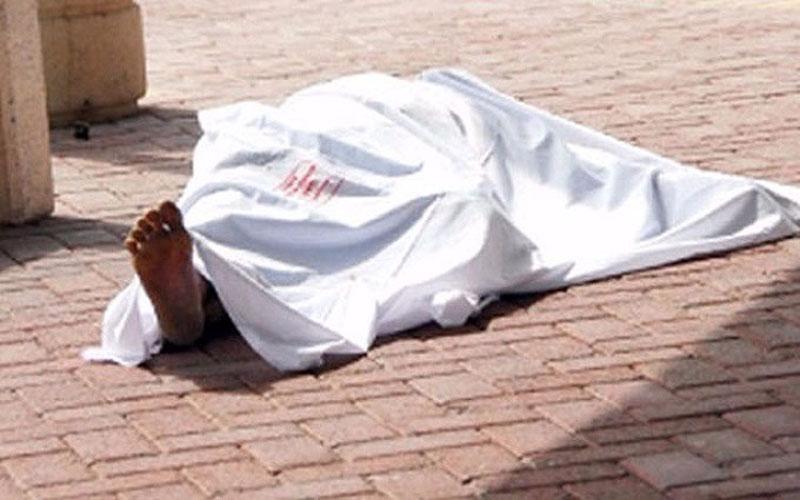 العثور على جثة مجهولة الهوية مرمية على جانب الطريق بساحة اللقاء في بغداد