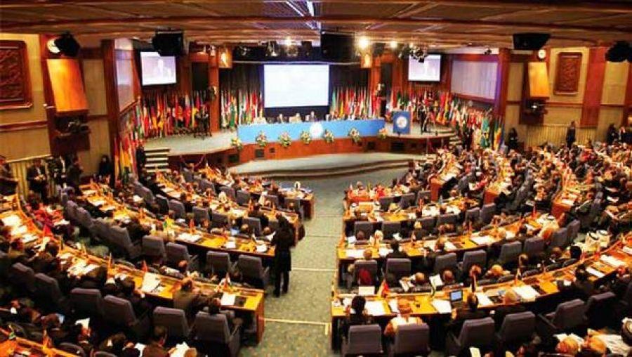 فنزويلا تسعى للاجتماع مع منتجي النفط وحشد التأييد لاتفاق عالمى لتعزيز أسعار الخام