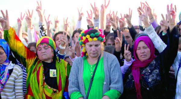 قصف «البيشمركة» يرجح كفة الأكراد في كوباني لكنهم مازالوا بحاجة الى سلاح