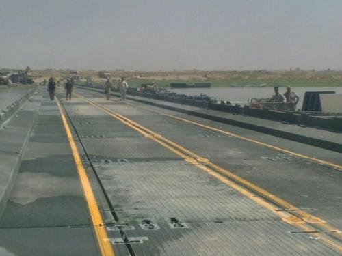 تدمير زورقا لداعش حاول تدمير الجسر الأمني جنوب الموصل