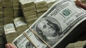 الدولار يسجل انخفاضا بعد زيادة سعر الفائدة