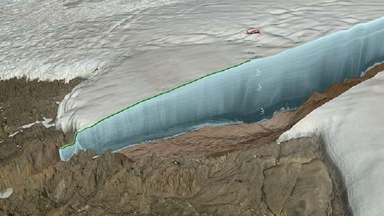 حفرة سحيقة في غرينلاند أحدثها نيزك بقوة 47 مليون قنبلة هيروشيما