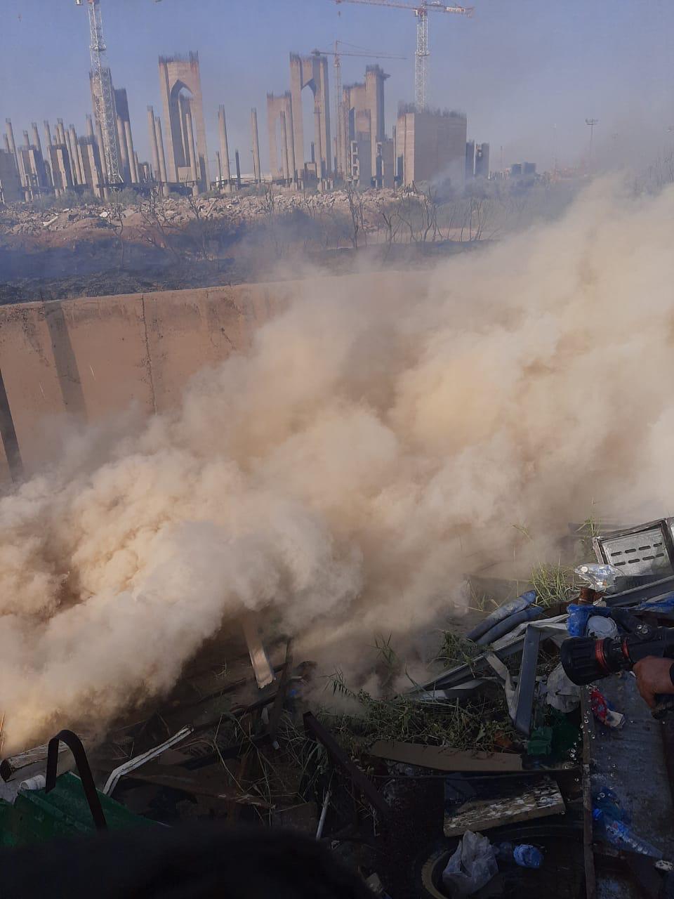 فرق الاطفاء تتمكن من ابعاد نيران مطار المثنى عن  مقر وزارة التجارة