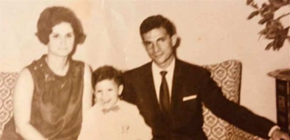هذا الطفل تحول الى نجم عربي شهير.. من هو؟ (صورة)