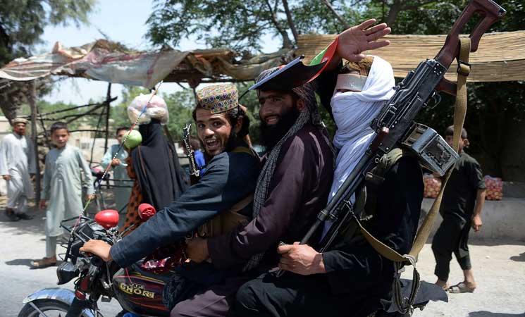 مقتل 30 جنديا أفغانيا في أول هجوم كبير منذ الهدنة مع طالبان