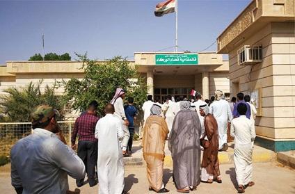 أهالي الوركاء يتظاهرون للمطالبة بتحسين الخدمات الأساسية كالماء والكهرباء