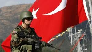فصل 726 ضابطاً و1684 جندياً من القوات المسلحة التركية بعد المحاولة الانقلابية
