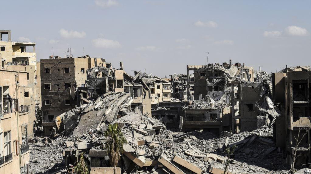 الولايات المتحدة: سنعمل على إعادة الخدمات الأساسية بالرقة السورية بعد هزيمة داعش