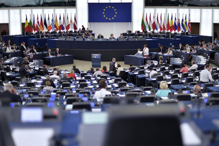 الاتحاد الأوروبي يؤكد وفاءه بتعهدات مؤتمر الكويت بدفع 400 مليون يورو لإعمار العراق