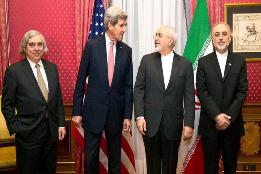 الإمارات: يجب أن تكون دول المنطقة طرفا في أي اتفاق نووي مع إيران