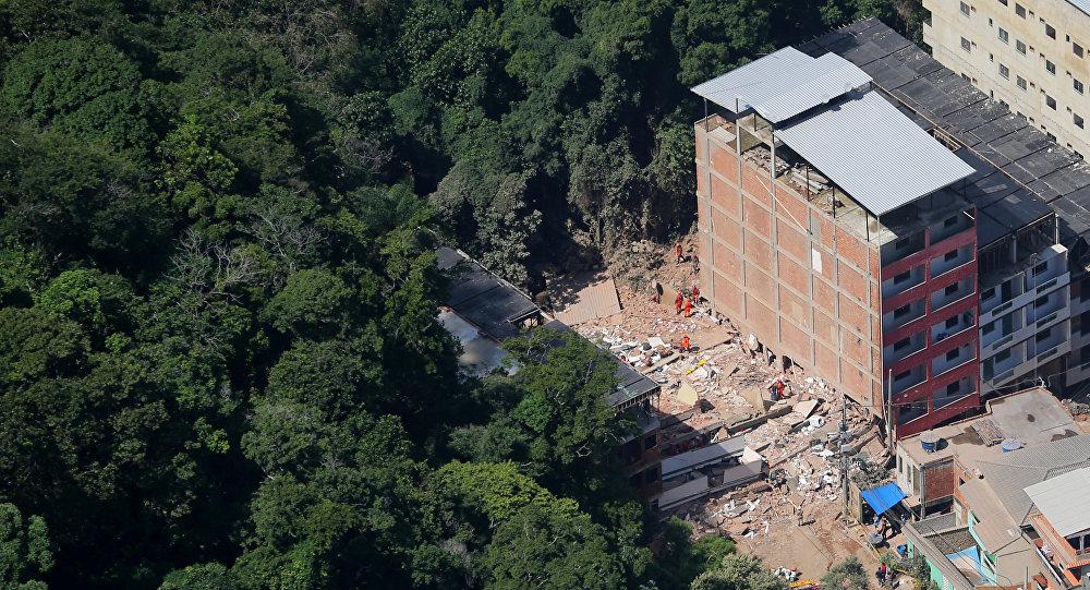 ارتفاع قتلى انهيار مبنيين في البرازيل إلى 9 أشخاص