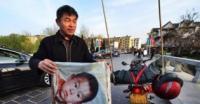 صينى يقطع بدراجته النارية 400 ألف كيلو متر بحثاً عن طفله الضائع منذ 18 عاماً