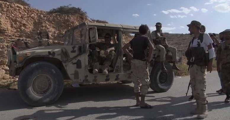 """قتلى من الجيش الليبي بـ""""هجوم انتحاري"""" في درنة"""