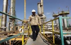 الكويت تلمح لامكانية خفض انتاج النفط مرة اخرى