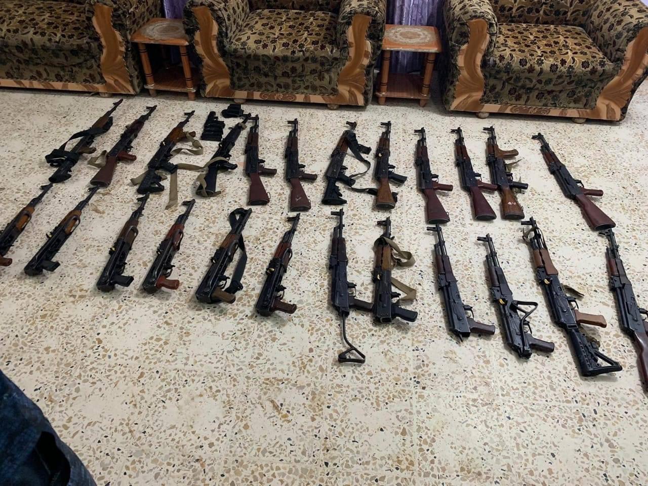 بالصور .. الشرطة الاتحادية تضبط كمية ضخمة من السلاح في كركوك