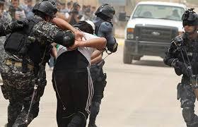القبض على ارهابي في عصابات داعش في الجانب الأيمن لمدينة الموصل