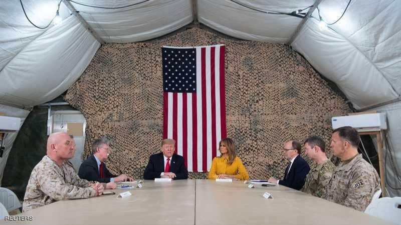 """رويترز: ترامب تراجع خلال زيارته  للعراق """" عن الانسحاب من سوريا"""