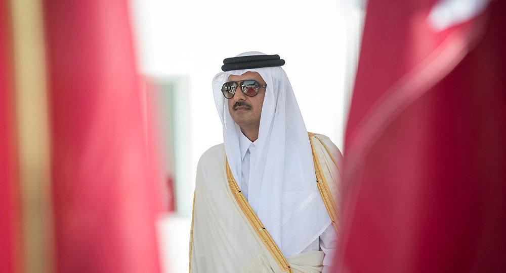 قبل ساعات من القمة الخليجية... الكشف عن موقف أمير قطر من السفر إلى الرياض