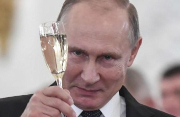 """بالصورة.. هذا هو تاريخ بوتين """"السري""""...!"""