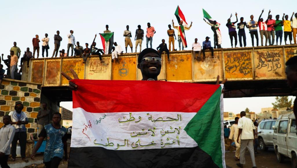 """أزمة السودان: المبعوث الأميركي يلتقي قادة المجلس العسكري من أجل """"حلّ سلمي"""""""