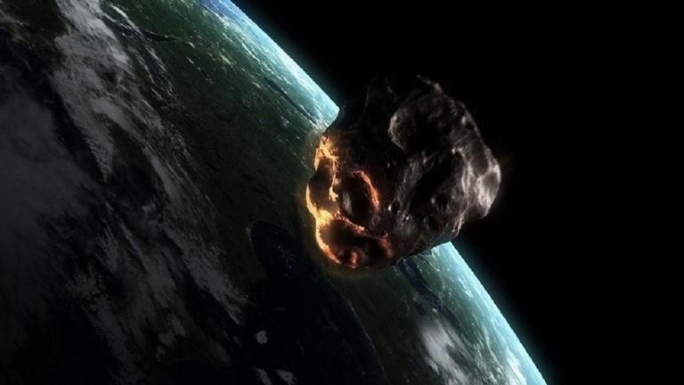 علماء الفلك يرصدون كويكبا بحجم سيارة قبيل اصطدامه بالأرض