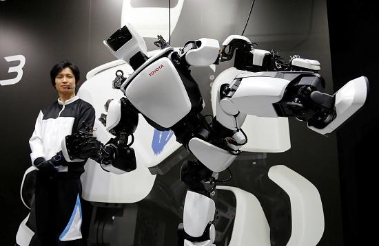 روبوت T-HR3 من تويوتا يشارك فى معرض الروبوت الدولى 2017
