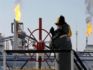 ارتفاع النفط بعد هبوط بفعل زيادة المخزونات الأمريكية