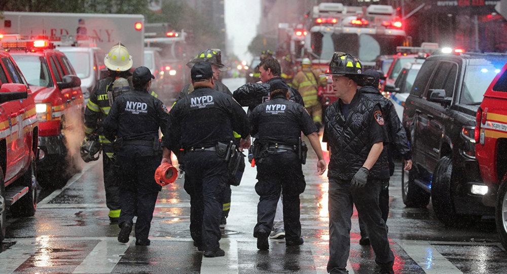 مقتل شخص واحد على الأقل في حادث اصطدام مروحية بأحد مباني نيويورك