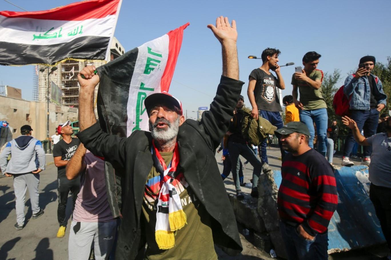 مجلة : العقوبات جعلت ايران غير قادرة على حماية السياسيين الفاسدين والميليشيات بالعراق ولبنان