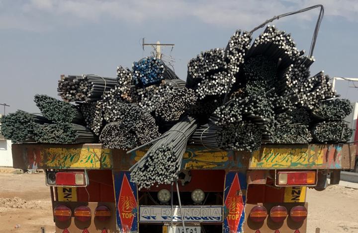 إعادة إرسالية خمسة شاحنات محملة بمادة حديد التسليح الى الجانب الإيراني في منفذ الشيب