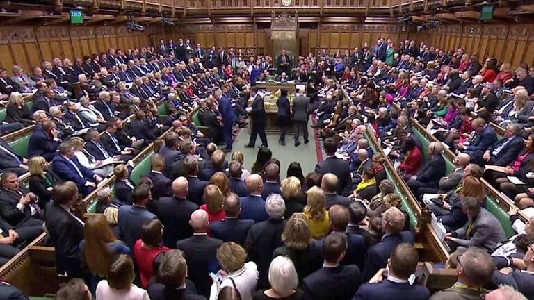 مجلس العموم البريطاني يقرر إرجاء التصويت على الخروج من الاتحاد الاوروبي